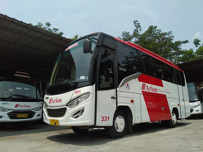 Sewa Medium Bus Wisata 29 Seats